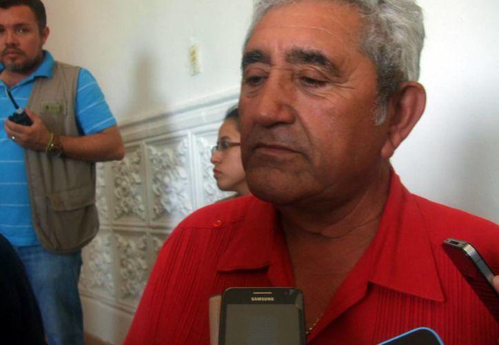 Imagen del alcalde de Progreso, José Cortés Góngora, quien anunció los cambios que realizará en el Ayuntamiento. (Milenio Novedades)