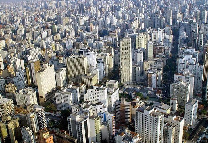 El gobierno de Brasil tendrá que aumentar la seguridad en todas sus ciudades para omitir cualquier percance durante el Mundial. En la imagen edificios del centro de Sao Paulo. (megaconstrucciones.net)