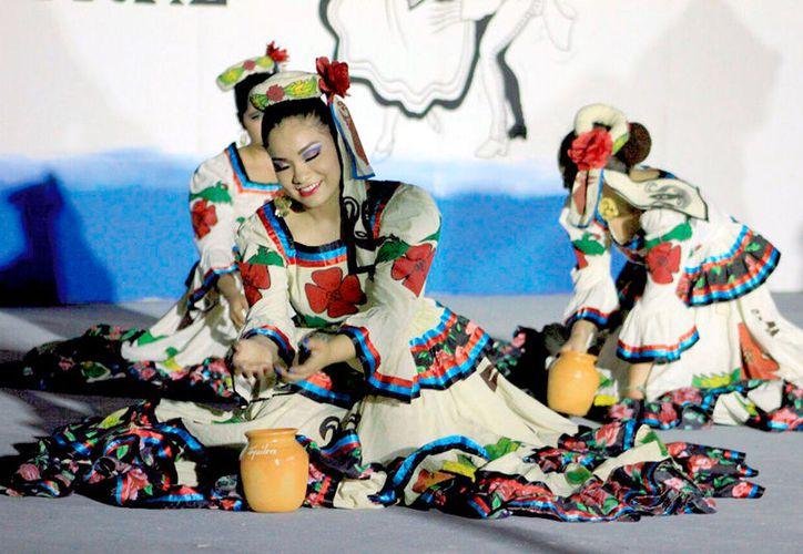 Manifestaciones de danza con artistas netamente bacalarenses se podrán apreciar durante el Festival de Cultural del Caribe 2017.  (Foto: Redacción / SIPSE)