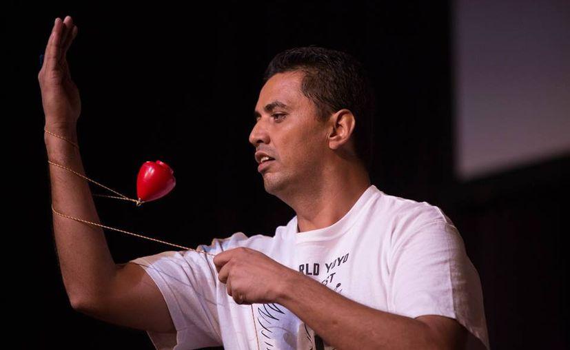 Fernando Turegano es el sexto mejor trompista del mundo, pero este año podría quedarse fuera del mundial de la especialidad por falta de patrocinio. (Ángel Villegas/SIPSE)