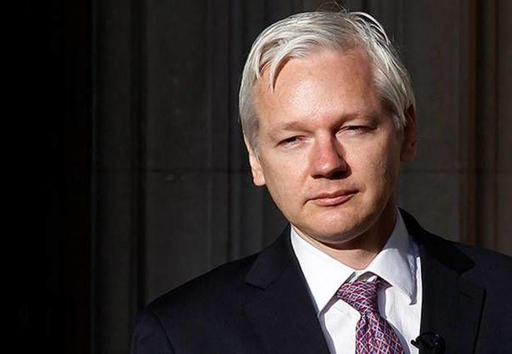 Julian Assange se dice dispuesto a entregarse a la autoridad británica si la ONU falla en su contra. (RT)