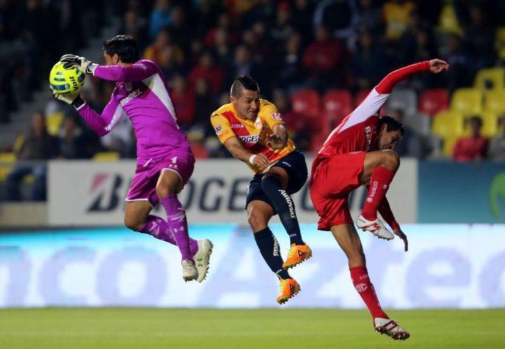 El equipo Monarcas, que tuvo un pésimo torneo Apertura 2014, comenzó bastante bien el Clausura 2015 aunque le faltó puntería para vencer a Toluca. (Notimex)