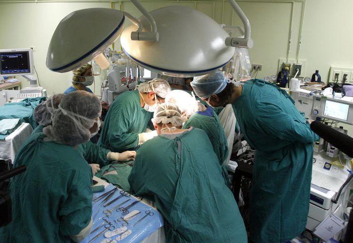Este año fue histórico para la medicina de Yucatán: se realizó en hospital público la primera cirugía de desviación urinaria. (Milenio Novedades)