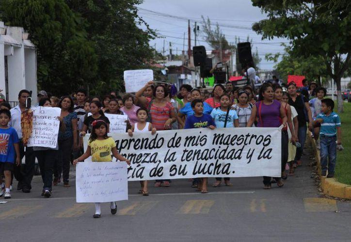 Buscan solucionar  el conflicto que mantiene cerradas las escuelas en el estado. (Benjamín Pat/SIPSE)