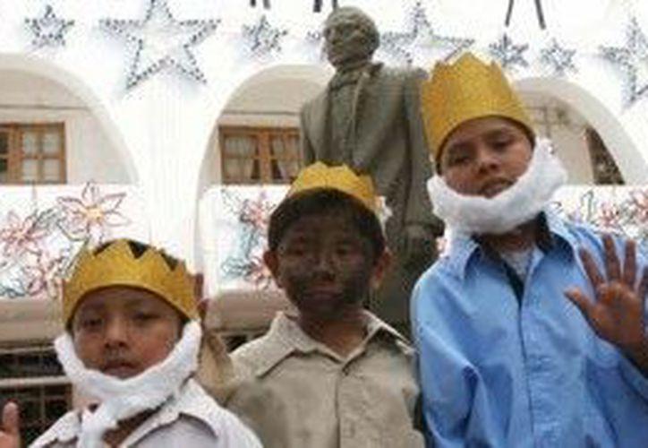 Durante el día de ayer se realizó también el concurso de disfraces de Reyes Magos. (Cortesía/SIPSE)