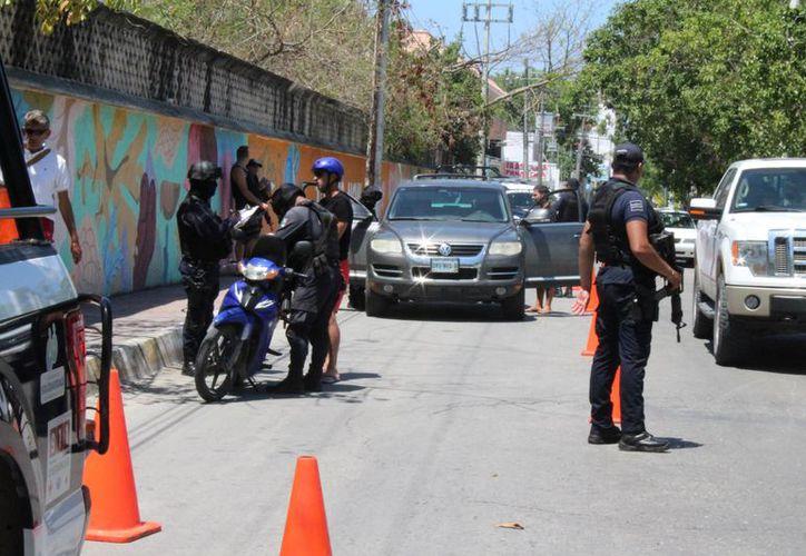 Los diferentes operativos fueron instalados en diferentes puntos del municipio. (Adrián Barreto/SIPSE)