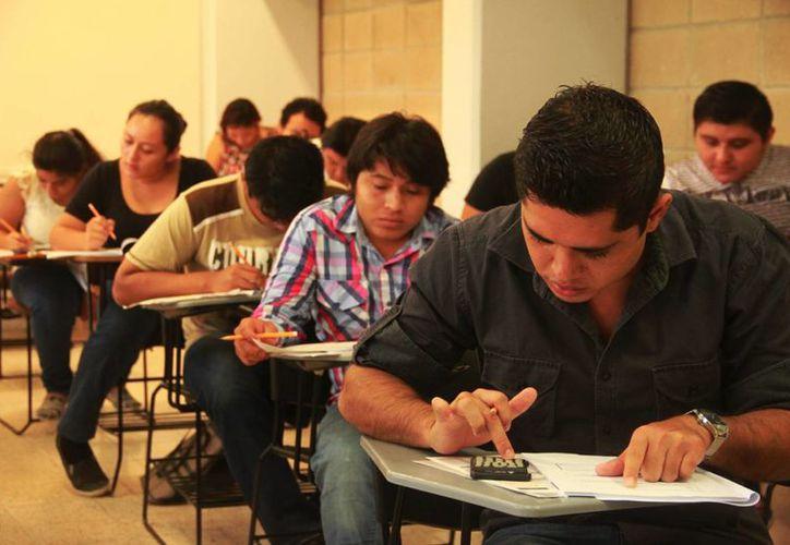 La Uqroo firmó un convenio con una universidad de Portugal para hacer intercambios estudiantiles. (Ángel Castilla/SIPSE)
