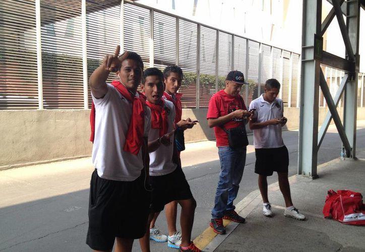 Pioneros de Cancún arribó la tarde de ayer bajo un gran ambiente. (Ángel Mazariego/SIPSE)
