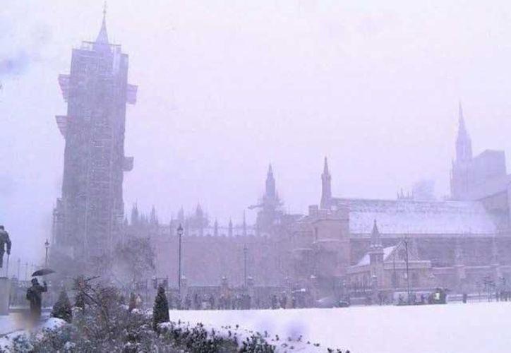 Cientos de escuelas han cancelado sus actividades en Reino Unido, Irlanda y el norte de Portugal y España. (UnotV)