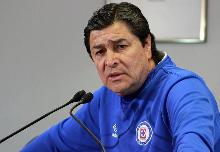 Luis Fernando Tena llega por primera vez en su carrera como entrenador a León, en reemplazo de Juan Antonio Pizzi, quien dirigirá a la Selección de Chile. (futbolsapiens.com)