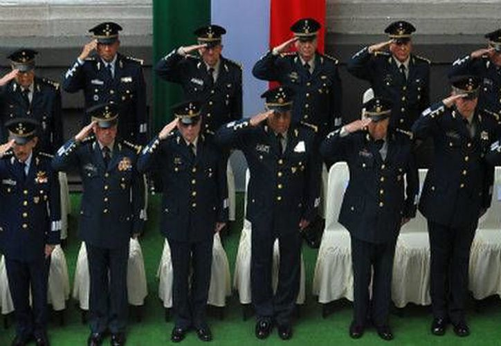 La Sedena anunció que hace 37 años contaba con 92 mil 659 militares, pero ahora son 212 mil 208. (Milenio)