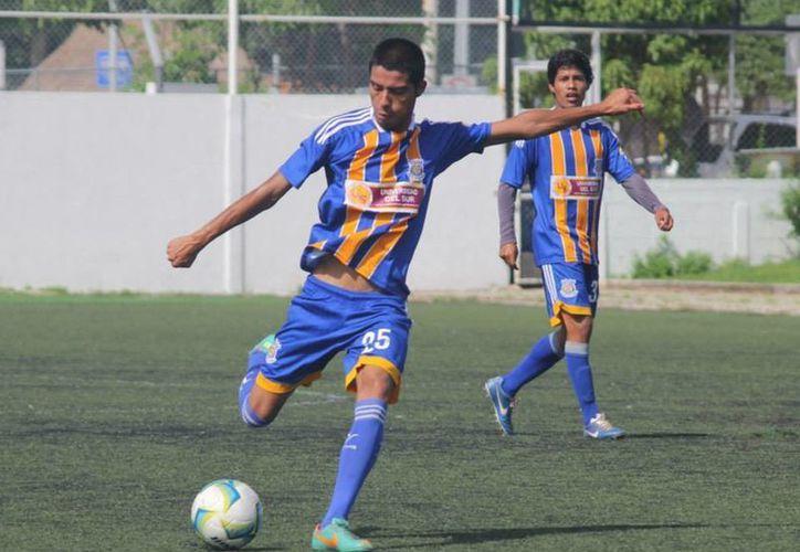 """""""Chicho"""" Morales sostuvo su primer entrenamiento con el equipo. (Archivo/SIPSE)"""