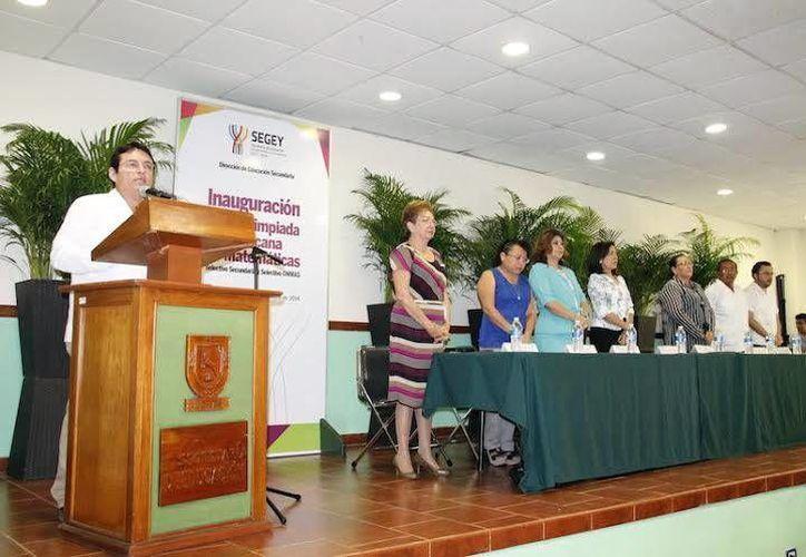 Imagen de la ceremonia de inauguración de la XXIX Olimpiada Nacional de Matemáticas por la Secretaría de Educación Estatal. (Milenio Novedades)