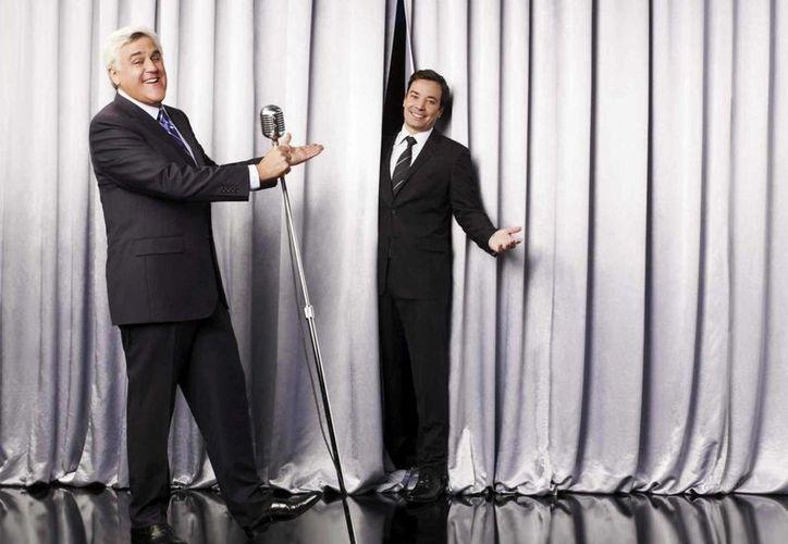 """Jay Leno (i) presentará a Jimmy Fallon, segundo sucesor del comediante y comentarista en """"The Tonigt Show"""". (Agencias)"""