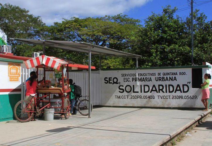 Presuntamente la maestra de la escuela 'Solidaridad' le negó el permiso de salir al baño a la menor. (Ángel Castilla/SIPSE)