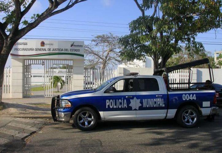 La policía estatal acudió al establecimiento comercial, donde la encargada frustró el asalto recibiendo al ladrón a cebollazos. (Foto de contexto/SIPSE)