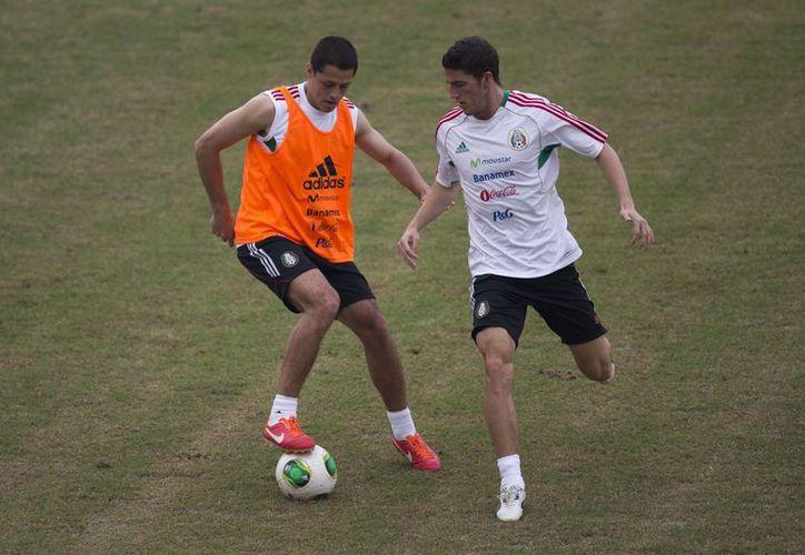 México tendrá pocos días para ensayar variantes porque su primer partido es el domingo ante Italia. (Agencias)