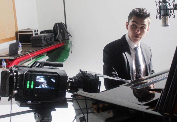 Además de dedicarse a la música, Sergio Mayer Mori se encuentra en San Miguel de Allende, Guanajuato, porque este lunes iniciará el rodaje de la película 'El Patriarca'. (Notimex)