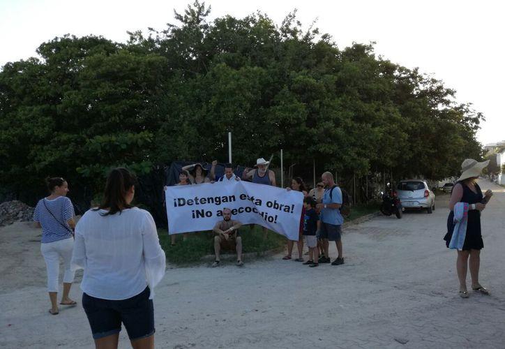 Vecinos se han unido en protesta por la deforestación en la zona, y han denunciado el caso ante las autoridades. (Redacción/SIPSE)