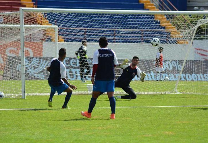 El conjunto azulgrana está dolido por la derrota sufrida ante Zacatepec. (Ángel Mazariego/SIPSE)