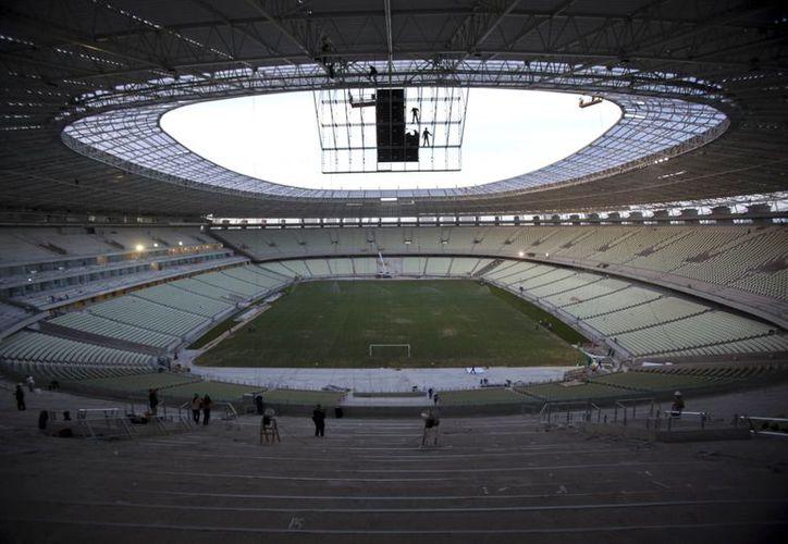Brasil y México se enfrentarán en este escenario en la fase de grupos de la Copa Confederaciones. (Foto: EFE)