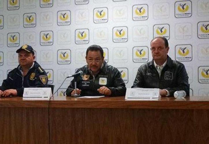 El secretario de Gobierno del DF, Héctor Serrano, pidió una disculpa a los universitarios por la irrupción en CU. (Milenio)