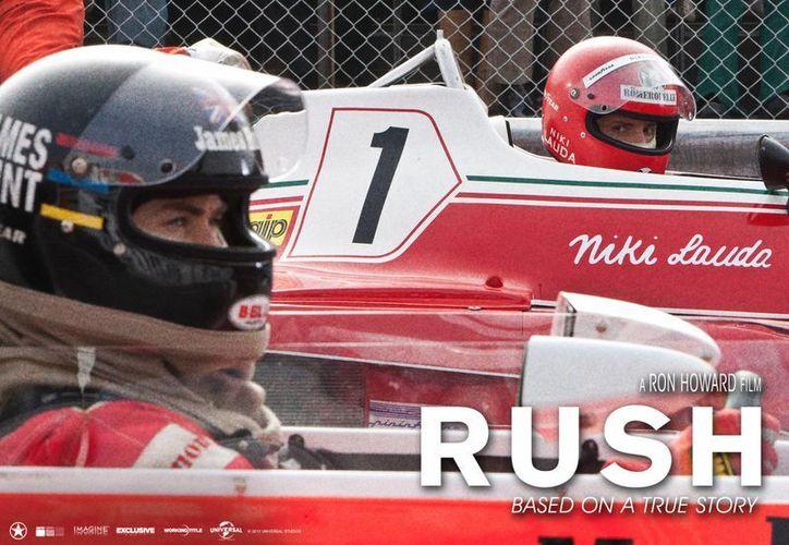 James Hunt (Chris Hemsworth) y Niki Lauda (Daniel Brühl) darán vida a dos pilotos eternamente rivales de la Fórmula 1. (rushmovie.com)