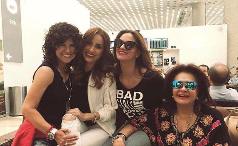 Mariana Seoane y Cynthia Rodríguez (centro) están próximas a estrenar canción y video juntas. (Facebook cynthiaoficial)