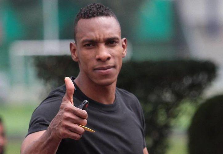 Luis Perea llegó a ser indiscutible en la defensa central de Cruz Azul, pero una prolongada lesión obligó a la institución a darlo de baja. (Foto de archivo de Notimex)