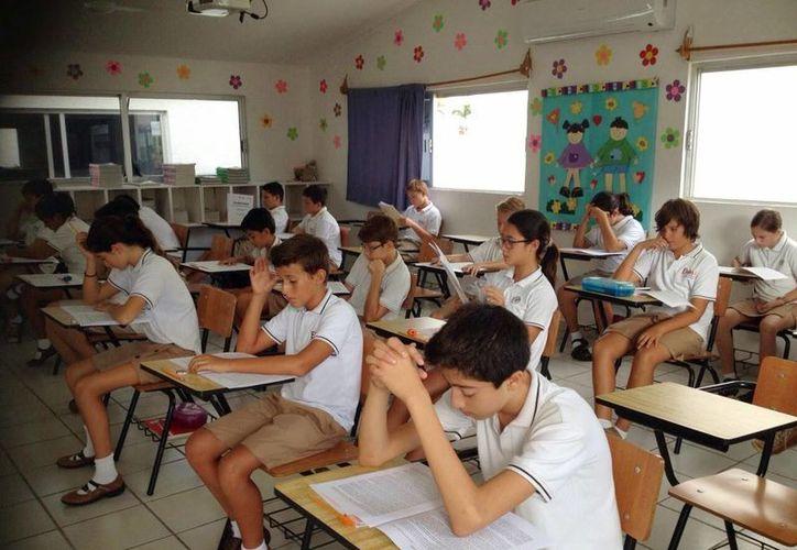 Se dio a conocer los nombres de 16 menores niños de sexto grado de primaria que participarán en la Convivencia Cultura 2015. (Gerardo Amaro/SIPSE)