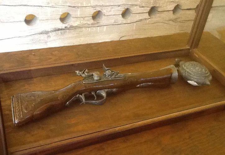 Un sitio emblemático de la ciudad de Campeche es sin duda el Museo de los Piratas, donde se exhiben armas, historia, objetos personales y réplicas de navíos en los que estos hombres atravesaban los océanos. (Notimex)