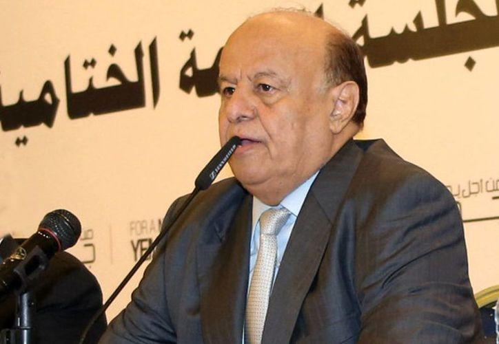 Abed Rabbo Mansur Hadi, hasta hoy presidente de Yemen, entregó su renuncia al Parlamento al igual que todo su gabinete. (AP)