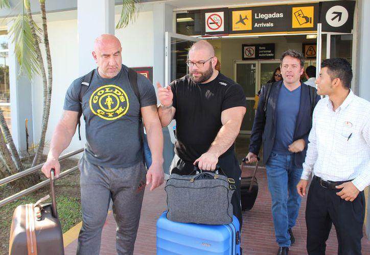 Llegó a Chetumal un contingente de los organizadores del torneo y competidores de Holanda, Francia, Inglaterra y Estados Unidos. (Miguel Maldonado/SIPSE)