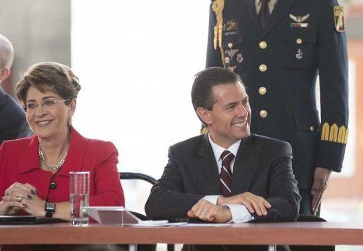 Imagen de la presentación del Programa de Prevención y Atención de Adicciones con el presidente Enrique Peña Nieto y  los secretarios de Salud, Mercedes Juan López y de Educación Pública, Emilio Chuayffet Chemor. (presidencia.gob.mx)