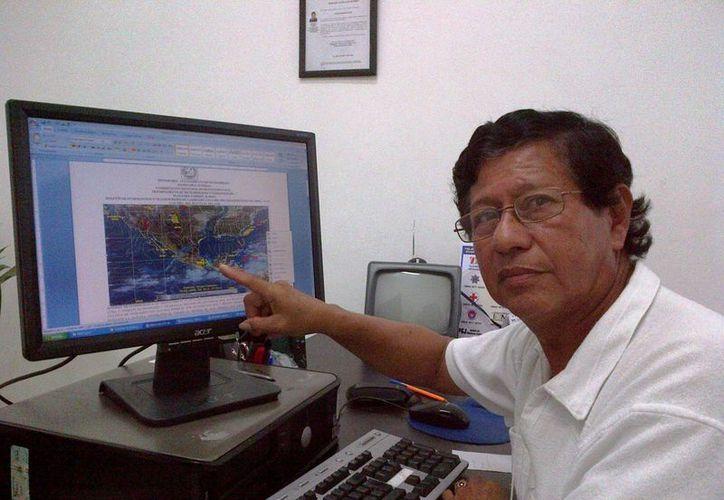 El meteorólogo de Solidaridad, Antonio Morales Ocaña, indicó que la tormenta tropical Bertha continuará activa este fin de semana. (Daniel Pacheco/SIPSE)