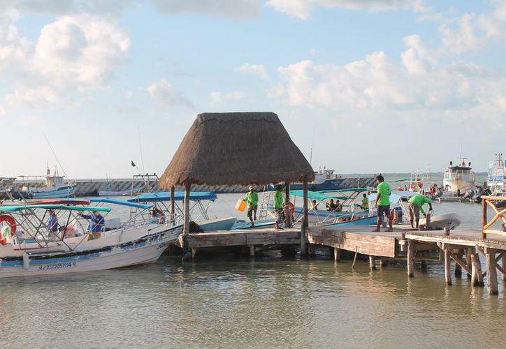 Mencionan que la zona donde se realizan torneos de pescas nada tiene que ver el ejido. (Gloria Poot/SIPSE)