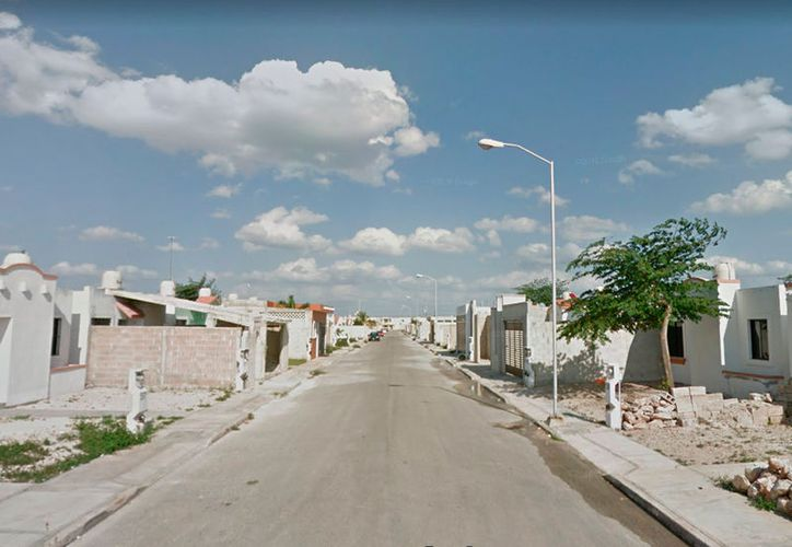 En un fraccionamiento de Mérida, un hombre intentó abusar de una mujer, pero no se imaginó lo que la mujer haría y no logró su cometido. La imagen es únicamente ilustrativa (Google Street View)