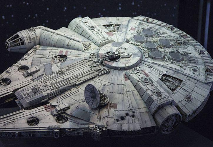 El Halcón Milenario, nave espacial icónica en la historia del cine, apareció brevemente en el tráiler del próximo episodio de 'Star Wars'. (Foto RT)