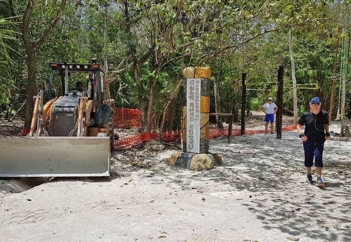 Continúan los trabajos de remodelación en el emblemático lugar para los cancunenses. (Jesús Tijerina/SIPSE)