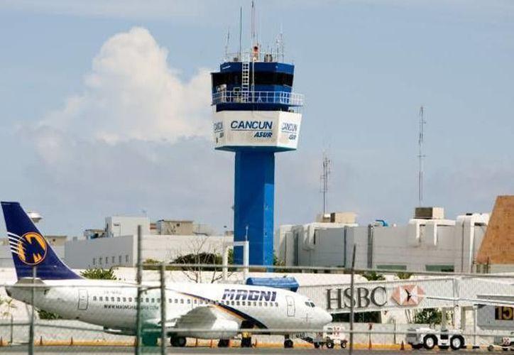 Los vuelos adicionales sugieren un crecimiento estable en el turismo de Estados Unidos. (Archivo/ SIPSE)