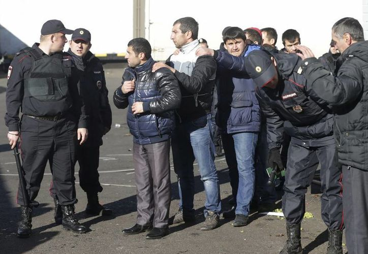 El lunes anterior fueron detenidas mil 200 personas en el mercado de Biryulyovo. (EFE)