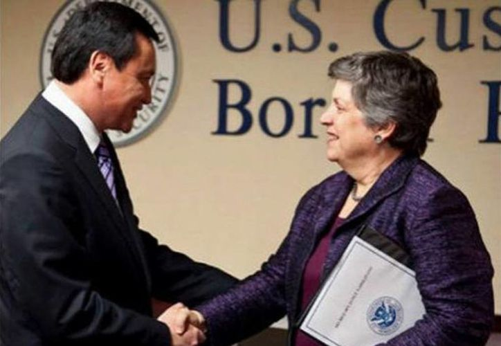 El secretario de Gobernación, Miguel Ángel Osorio Chong, sostuvo una reunión de trabajo con la secretaria de Seguridad Interna de los Estados Unidos, Janet Napolitano. (Notimex)