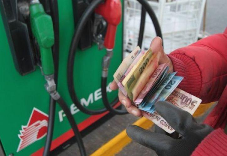 La demanda de gasolinas en México se estima que crecerá al 2030. (Contexto)