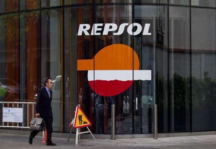 La salida de Pemex, accionista de referencia de Repsol hasta la fecha, pone fin a un arduo enfrentamiento entre la mexicana y los gestores de la española. (starmedia.com)