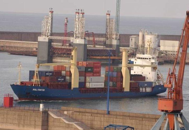Tanto las exportaciones como las importaciones mexicanas mostraron un descenso, de acuerdo al Inegi. (Milenio)