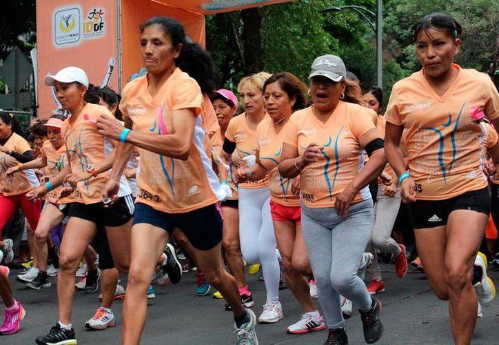 Está ' de moda' ejercitarse e incluso participar en eventos deportivos. Correr es la forma más sencilla, barata y rápida de activarse, pero conlleva sus riesgos. (Milenio Novedades)