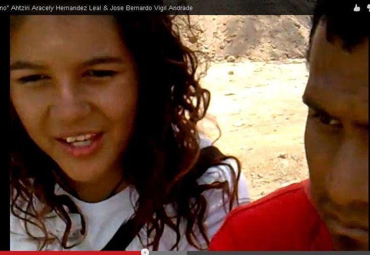 Ahtziri Aracely y José Bernabé Vigil Andrade. (Captura de pantalla del video que entregaron a Milenio Monterrey)