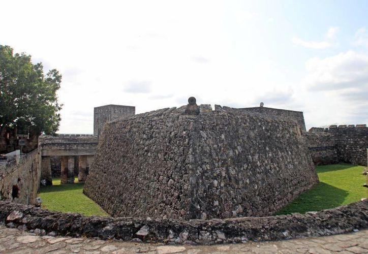 El evento se efectuará en la plaza del Fuerte de San Felipe Bacalar, justo a un costado de las actuales oficinas municipales y en donde se han realizado tradicionalmente este tipo de eventos. (Omar Capistrán/SIPSE)