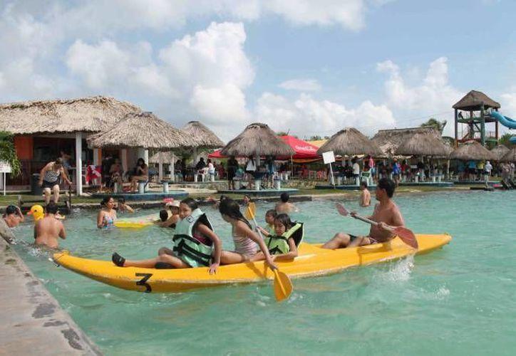 Las reservaciones en la hotelería se encuentran casi al tope, a unos días de celebrarse el Maratón de Aguas Abiertas. (Javier Ortiz/SIPSE)