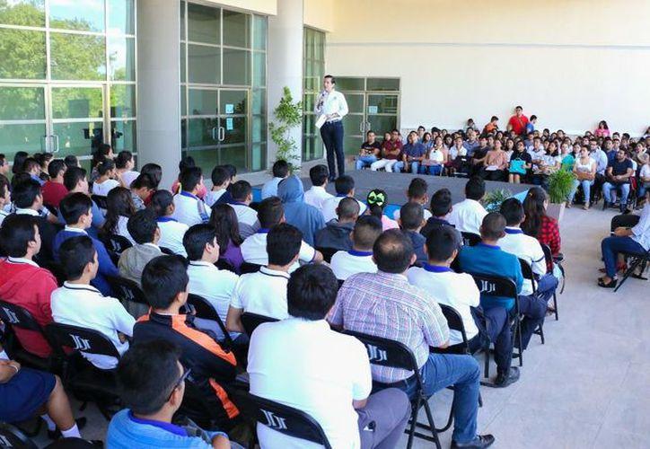 El programa del Instituto Quintanarroense de la Juventud apoyó a 208 jóvenes de seis municipios. (Joel Zamora/SIPSE)